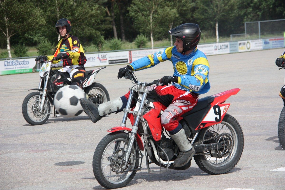 Spannende wedstrijd motoball